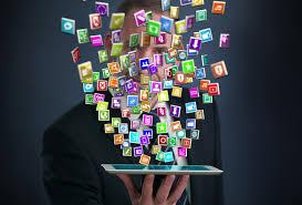 Image d'un ordinateur avec des icones qui sortent - Mushroom, chasseurs de têtes, cabinet de recrutement, chasseur de tête, communication, digital, start up, web - ubérisation